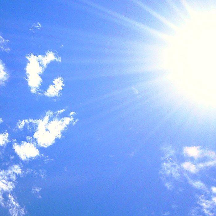 【一押しオススメアイテム】猛暑到来!?季節外れの暑さは-5度ファッションで乗り切る!