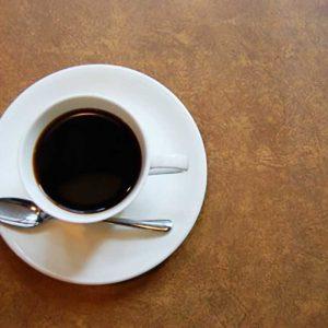 【10年着るための洋服ケア】あなたならどうする?お気に入りの服にコーヒーのシミをつけてしまった!クリーニングに出す前におうちで出来る目からウロコの簡単シミ抜きの方法