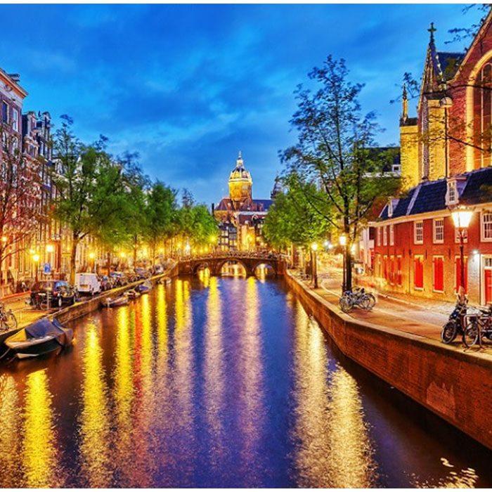 【世界のファッション】世界一自由な街☆水の都 オランダアムステルダムは運河の建設がもたらした富と繁栄の街