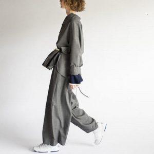 【最速でオシャレに見せる一着】大人が着るべきマストアイテムはワンピースよりも着回しがきく〇〇!