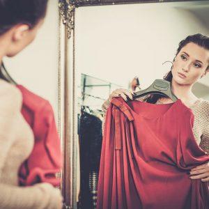【やっちゃいけないNGファッション】あなたの服のサイズ、本当に大丈夫?5歳若返るアイテム別サイズ選び!!