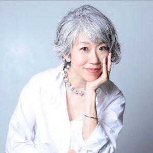 【こんなところにサワジェンヌ】グレイヘアリスト朝倉真弓さんに聞くグレイヘアとファッションの素敵な関係