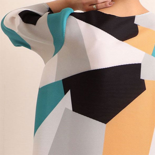 【最速でオシャレに見せる一着】新しい季節の始まりに♡ 気持ちをちょっぴり後押ししてくれる、心ときめくアートなお洋服